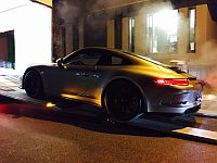 Porsche 991R  is being loaded to be shipped